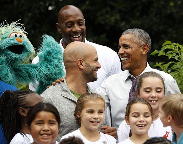 Barack Obama y su cocinero personal en una imagen de archivo / Gtres