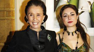Carla con su abuela, la Condesa de Romanones, en imagen de archivo en 2006 / Gtres
