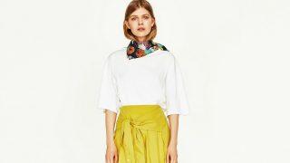 La falda que simula llevar una camisa atada a la cintura es la nueva propuesta del gigante low cost. / Zara