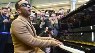 John Legend dando el concierto sorpresa en Londres / Gtres