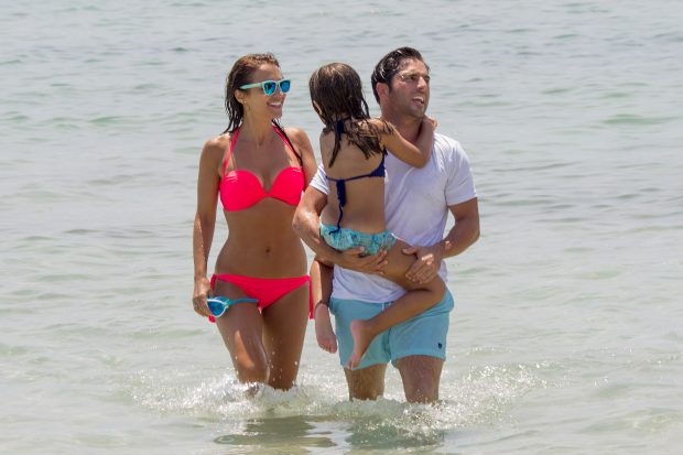Paula Echevarría, David Bustamante y su hija Daniella (Gtres)