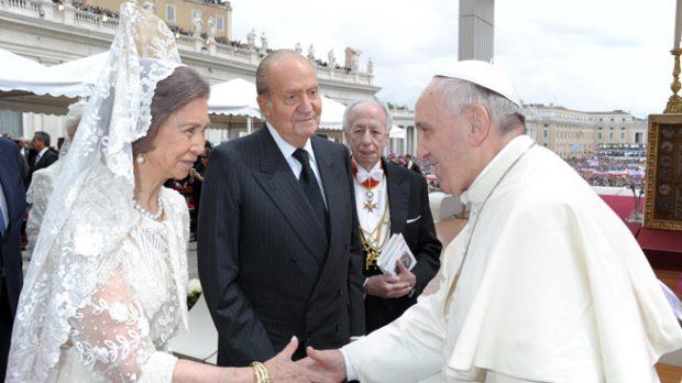 rey juan carlos, reina sofia y papa francisco