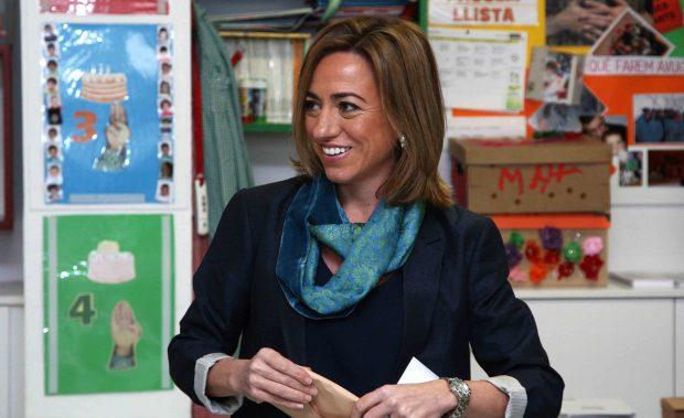 Carme Chacón vota durante unas elecciones /Gtres