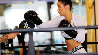 Bella Hadid entrenando en un gimnasio en Nueva York / Gtres