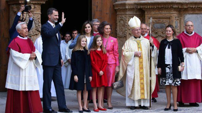 La Familia Real y la Reina Sofía han asistido a la Misa de Pascua /Gtres