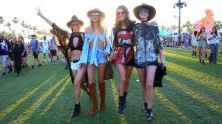 Analizamos los looks más destacados de Coachella. Haz clic en la imagen. / Gtres