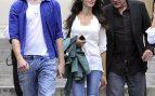 José Coronado pasea junto a su pareja, Elena González, y su hijo, Nicolás /Gtres