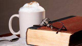 Café y libro, la mezcla ideal / Gtres
