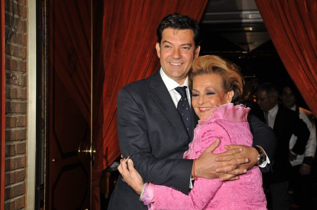 Carmen Sevilla con su hijo Augusto