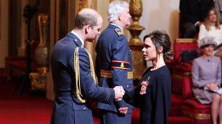 Victoria Beckham recibe la Orden del Imperio Británico / Gtres
