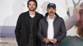 Imanol Arias con su hijo Jon en una imagen de archivo (Gtres)