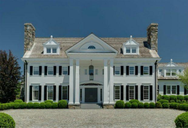Descubrimos la impresionante mansión que Thalía vende por 20 millones