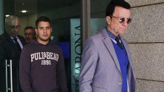 José Ortega Cano con su hijo José Fernando en los juzgados / GTRES