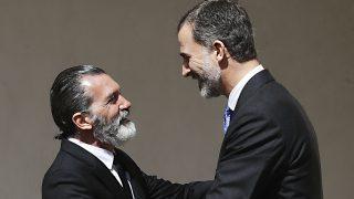 El rey Felipe VI y el actor Antonio Banderas en la universidad de Alcalá de Henares / Gtres