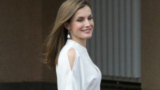 La Reina Letizia apuesta por un look reciclado. Haz clic para ver la galería. / Gtres