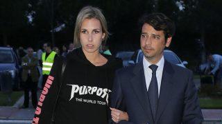 Miguel Palomo Danko y Paula Sánchez Zurdo  durante el entierro de Sebastián Palomo Linares en Tres Cantos en Madrid / Gtres