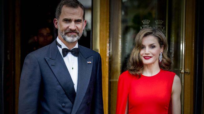Los reyes acuden a la cena de gala en Holanda /Gtres