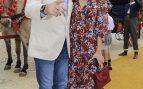 El periodista Carlos Herrera y la modelo Rocío Crusset en la feria de Sevilla /Gtres