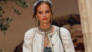 Karl Lagerfeld rinde homenaje a la cultura griega en el Grand Palais de París. / Gtres