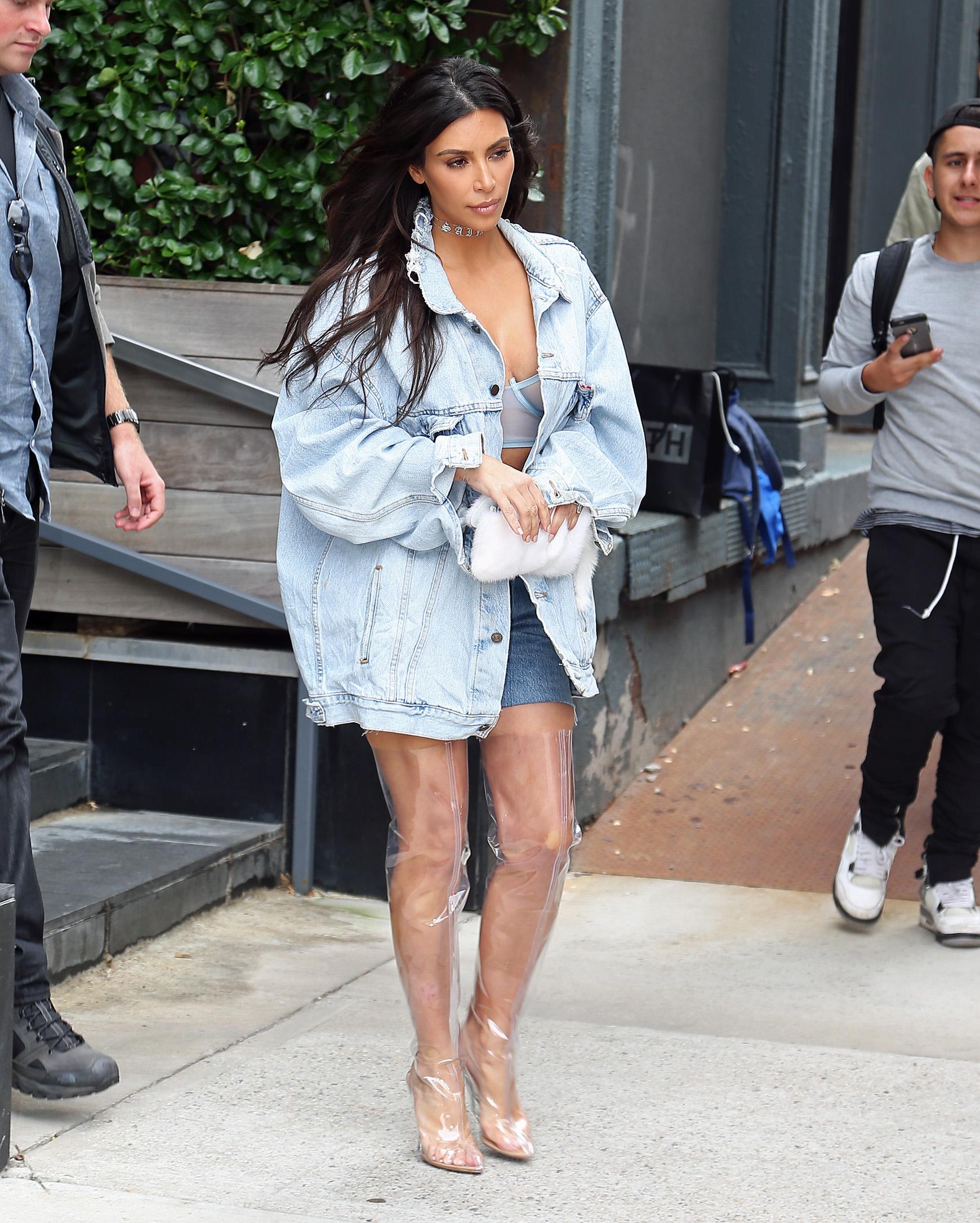 Kim Kardashian Botas Transparentes