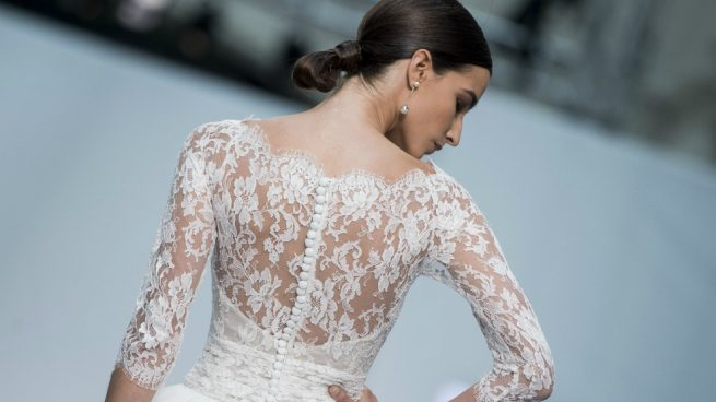 Tendencias Novias 2017 Hannibal Laguna Barcelona Bridal Fashion Week