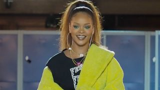 La cantante de Barbados continúa apostando por el diseño de calzado deportivo junto al gigante deportivo Puma. / Gtres