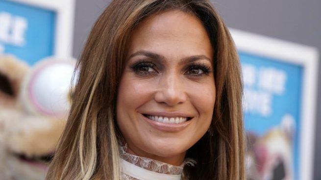 Abrigo Valentino Jennifer Lopez