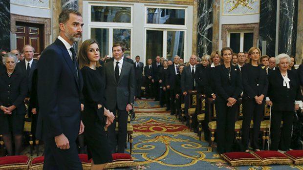 Entrada de la reina Letizia y el rey Felipe a la capilla /Gtres