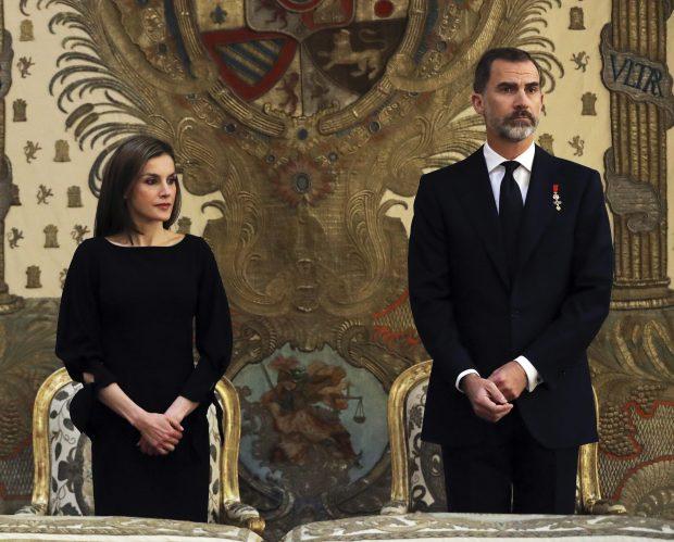 Los reyes oficiando el funeral