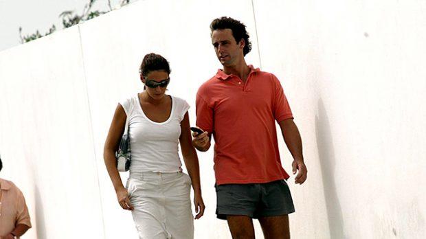 Álvaro Muñoz Escassi y Vicky Martín Berrocal durante el verano del año 2012 en Marbella /Gtres