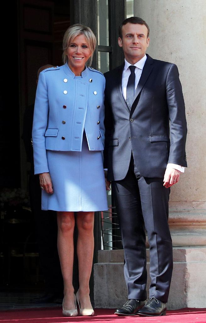 brigitte macron azul