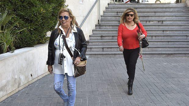 Terelu Campos y Carmen Borrego a su llegada al hospital /Gtres