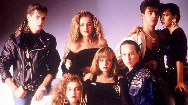 Thalia aparece junto a otros compañeros del grupo musical Timbiriche. Casi irreconocible, es la que aparece en la parte inferior, en el lado izquierdo. /Gtres