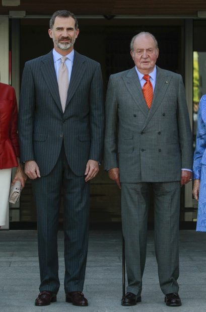 El rey Felipe VI con su padre, don Juan Carlos