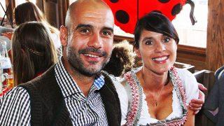 Cristina Serra, mujer de Guardiola, estuvo con sus dos hijas en el concierto de Ariana Grande / Gtres