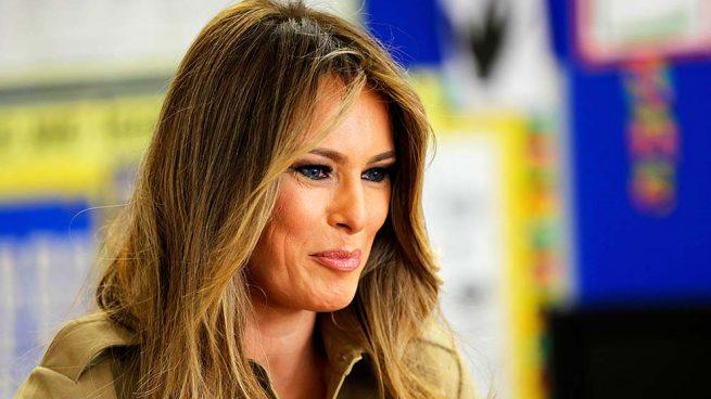 Melania Trump reinventa 'la cobra' con su propio marido