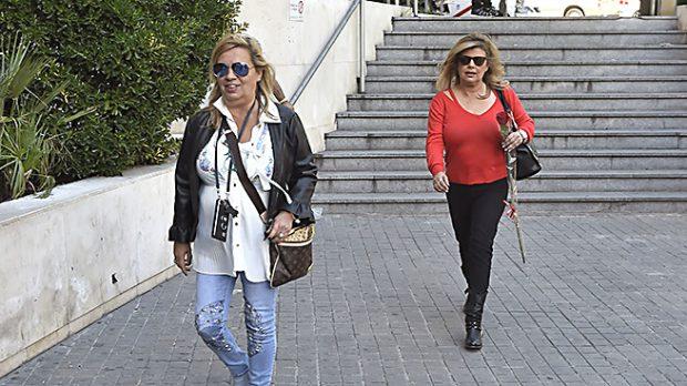 Terelu Campos y Carmen Borrego en las inmediaciones del Hospital /Gtres