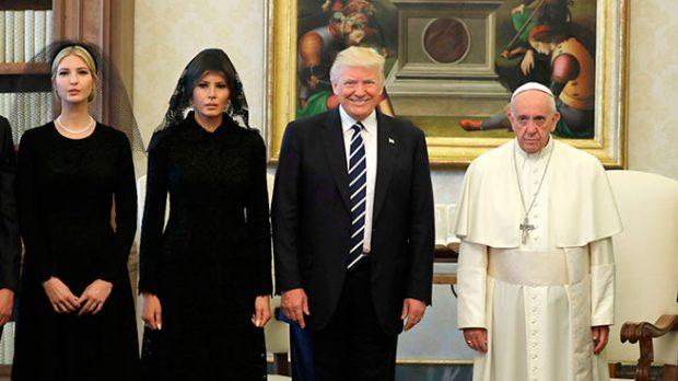 Los Trump durante una audiencia con el Papa Francisco
