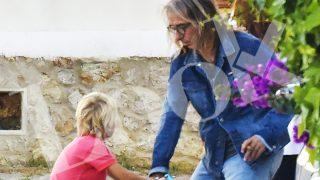 CONSULTA LA GALERÍA | Giorgio Aresu con su hijo en Ibiza / LOOK