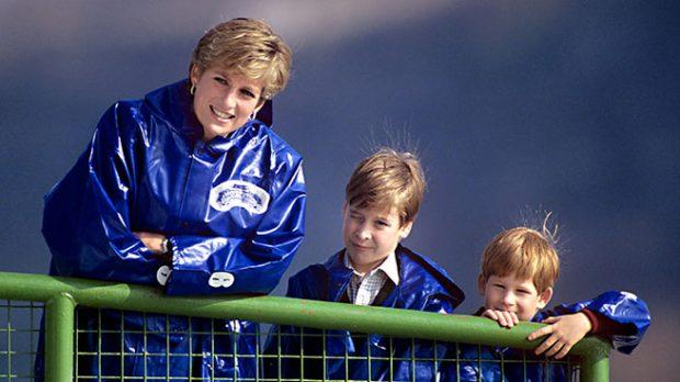 Diana de Gales con sus hijos Guillermo y Enrique