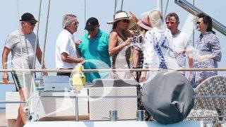 PINCHA EN LA IMAGEN PARA VER LA GALERÍA | Josep Pujol Ferrusola disfruta de unas vacaciones de lujo con amigos en Formentera / LOOK