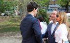 Felipe Juan Froilan Marichalar saluda al dueño de Joy Eslava