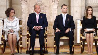 El rey Juan Carlos anunció la abdicación a la corona el 2 de junio de 2014 y se hizo oficial el 18 del mismo mes / Gtres