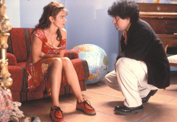 Con Victoria Abril en el rodaje de la película 'Átame'