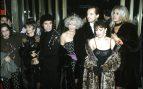 Cristina Marcos, Bibiana Fernández, Victoria Abril, Marisa Paredes y MIguel Bosé con Almodóvar presentando 'Tacones Lejanos' en 1991