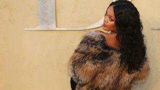 PINCHA EN LA IMAGEN PARA VER LA GALERÍA / Rihanna / Gtres