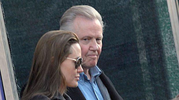Angelina Jolie y su padre John Voight
