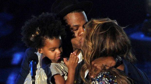 Beyoncé y Jay Z con su hija Blue