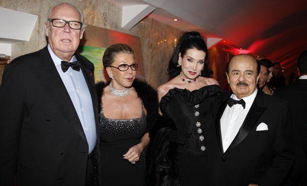 Emmanuel de Savoie con su mujer y Adnan Kashoggi