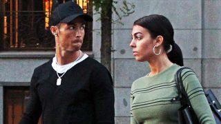 Georgina Rodríguez pasea junto a Cristiano Ronaldo / Gtres